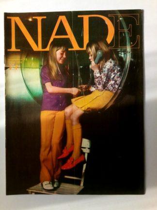 NADE N° 19 (10 mai 1970) Les jumelles - Evelyne - Janine Lay
